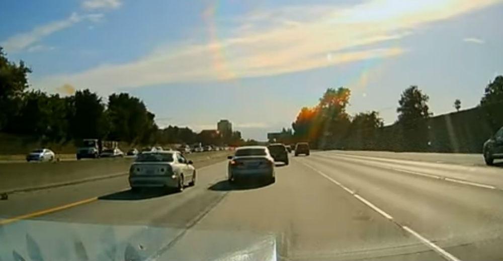Acidente na Freeway 280 (reprodução YouTube)