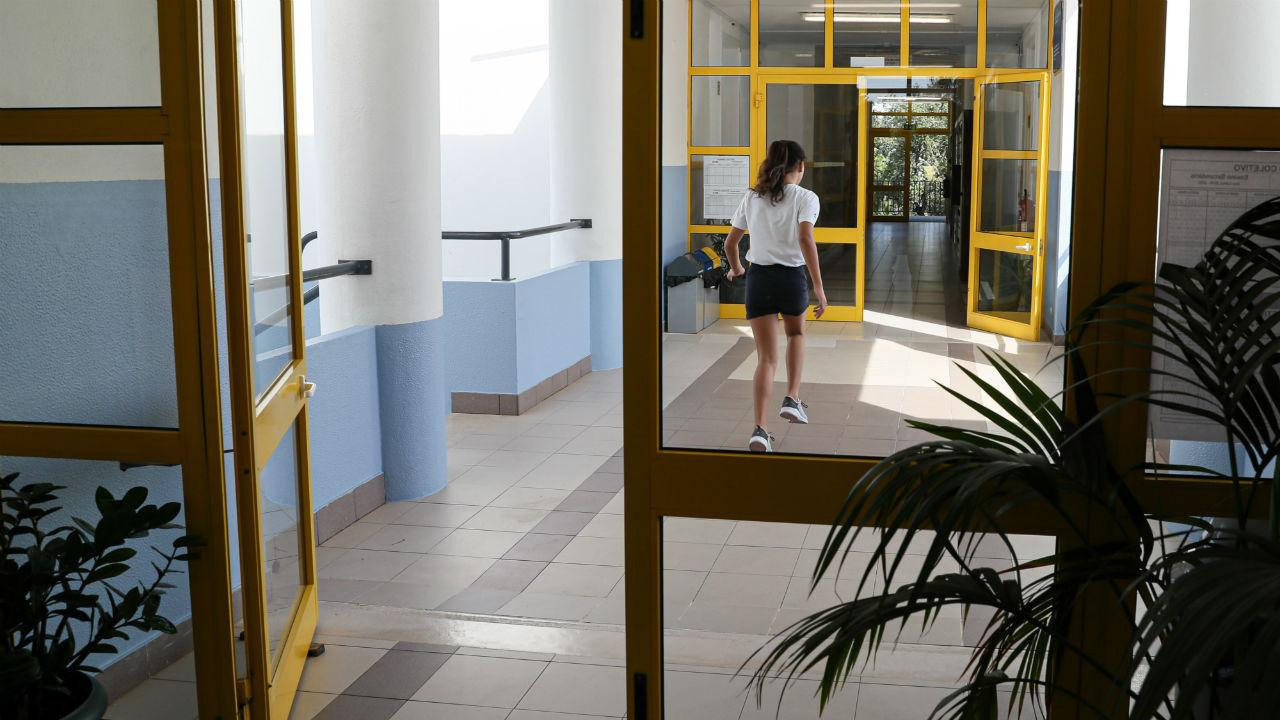 Assalto deixa escola de Vila do Conde sem equipamentos informáticos - TVI24
