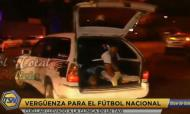 Mario Cuellar (Oriente Petrolero) vai para o hospital de táxi (youtube)