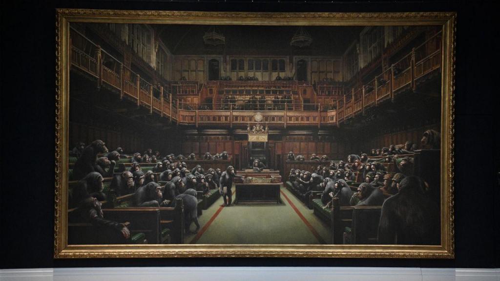 Quadro de Banksy com chimpanzés na Câmara dos Comuns