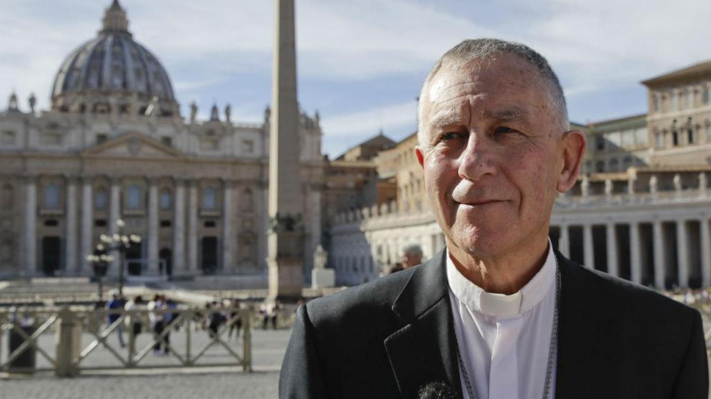 O bispo neozelandês Charles Drennan