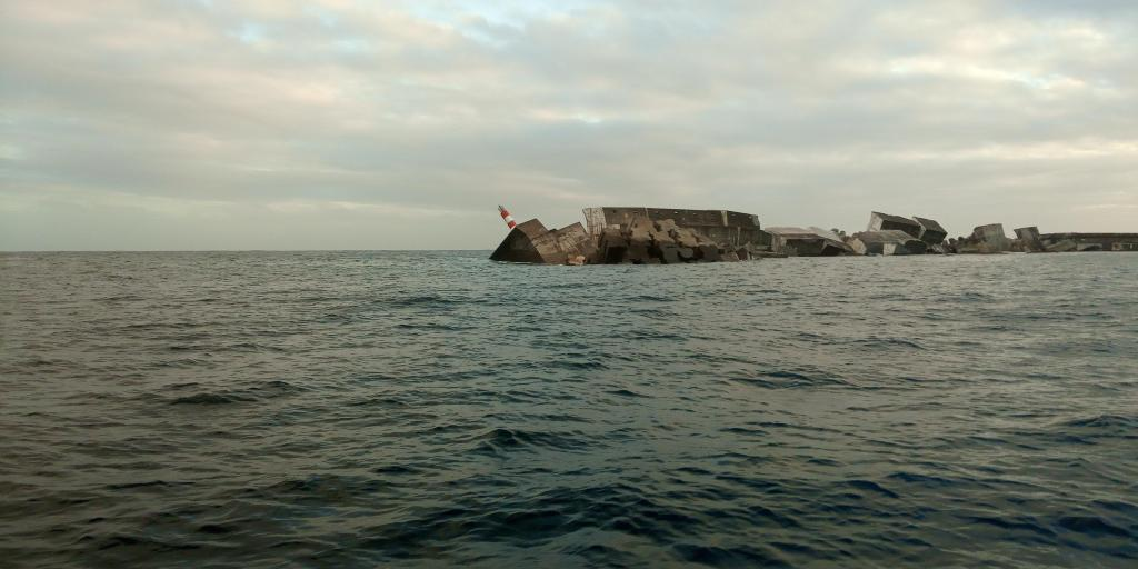 As imagens subaquáticas do porto açoriano destruído pelo furacão Lorenzo