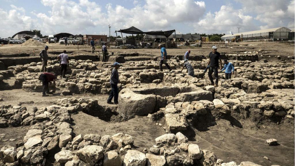 Arqueólogos anunciam descoberta de cidade com 5.000 anos em Israel