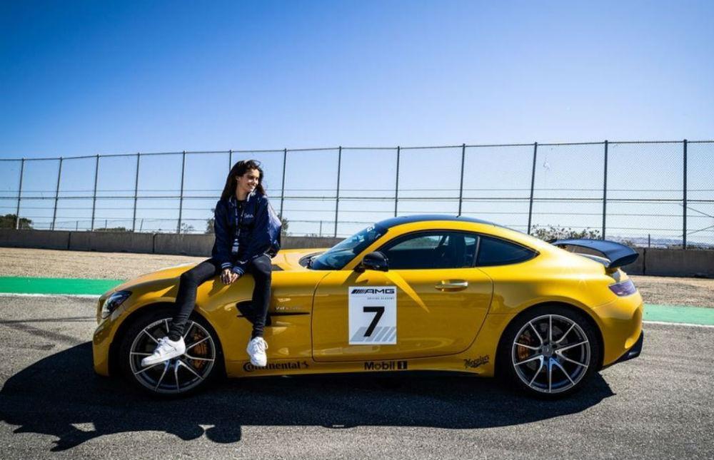 Sara Sampaio AMG GT R