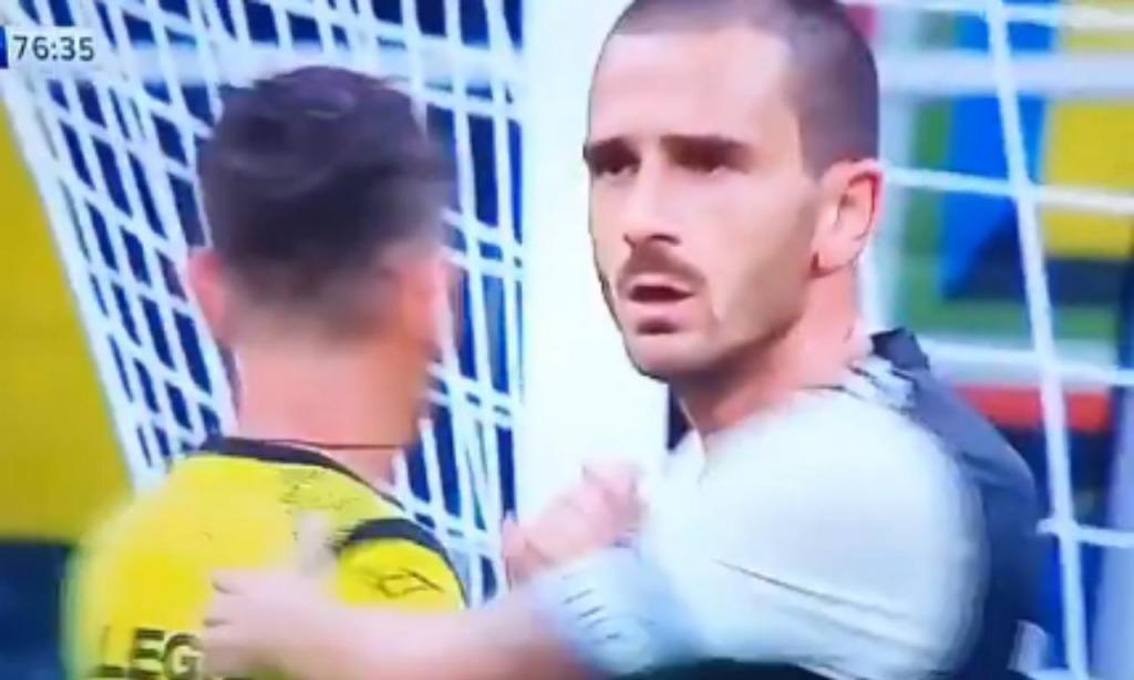 Cumprimento entre Rocchi e Bonucci no Inter-Juventus
