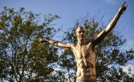 Estátua de Zlatan Ibrahimovic, em Malmo, na Suécia