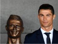 Estátua de Cristiano Ronaldo no Aeroporto do Funchal