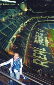 Nuno Lobo, adepto do FC Porto, no Santiago Bernabéu, em Madrid (arquivo pessoal)