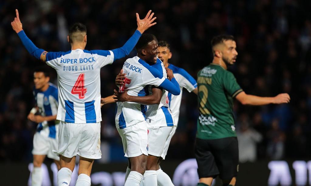 Coimbrões-FC Porto