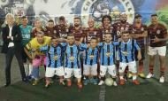 Sósias do Flamengo contra anões do Grêmio