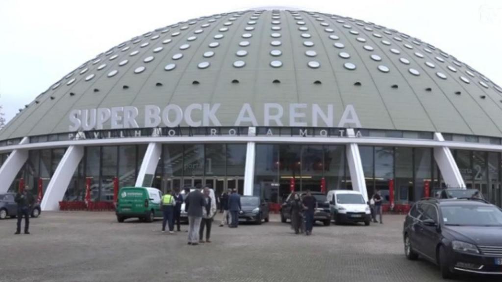 Resultado de imagem para Chumbada proposta de alteração do nome do Super Bock Arena Pavilhão Rosa Mota