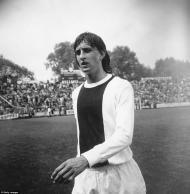 Aos 17 anos Johan Cruijff já jogava na equipa principal do Ajax