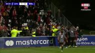 Comunhão entre jogadores e adeptos no terceiro golo do Benfica