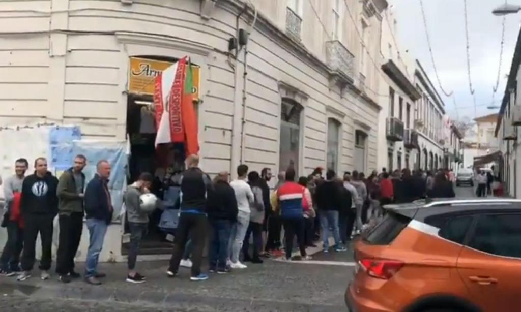 Corrida aos bilhetes para o Santa Clara-Benfica