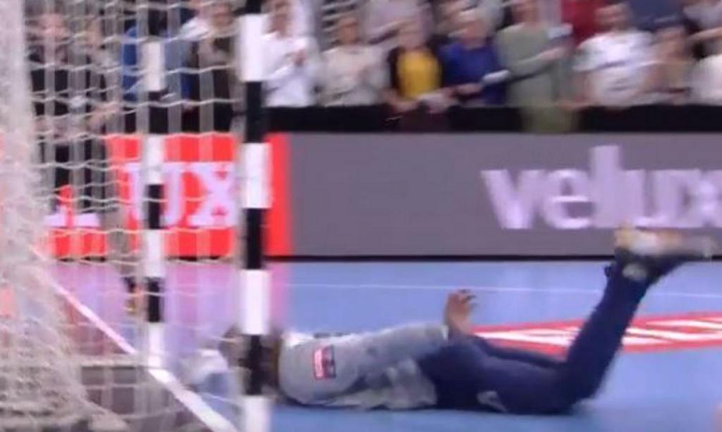 Defesa milagrosa de Quintana (twitter EHF)