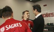 Jonas visita ex-colegas no Benfica seis meses após último jogo da carreira na Luz (SL Benfica)