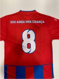Camisolas da equipa de benjamins de futsal da Academia Desportiva e Infantil Bairro Miranda