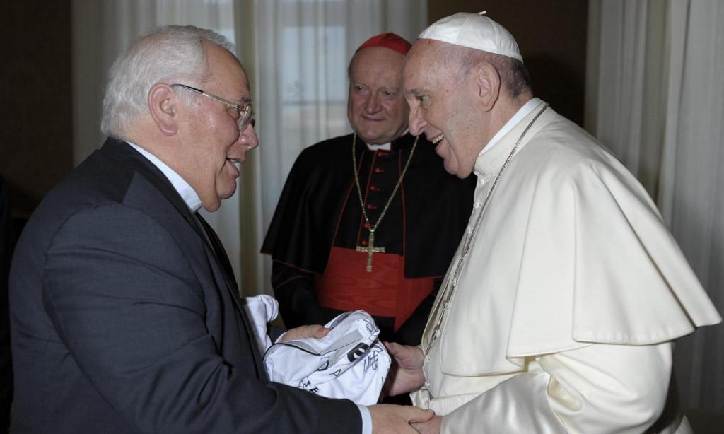 Camisola V. Guimarães Papa Francisco