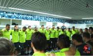 Plantel do Flamengo reza o Pai Nosso no balneário
