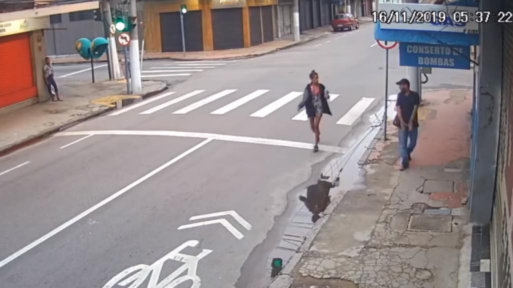 Homem matou a tiro sem-abrigo em rua de Niterói, no Brasil