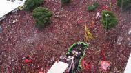Imagens incríveis: comitiva do Flamengo engolida por mar vermelho