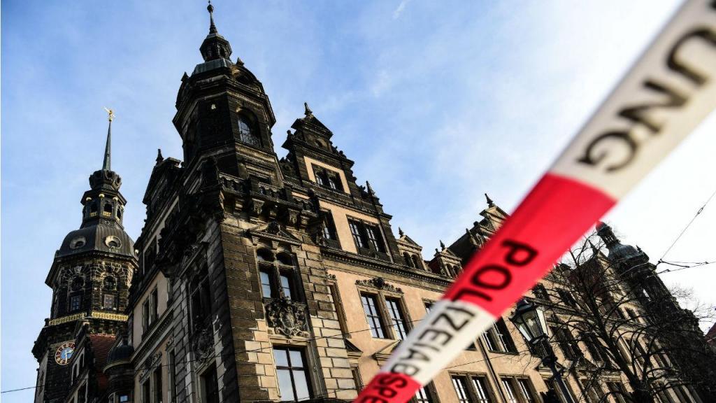 Joias do século XVIII roubadas de museu no Palácio Real de Dresden na Alemanha