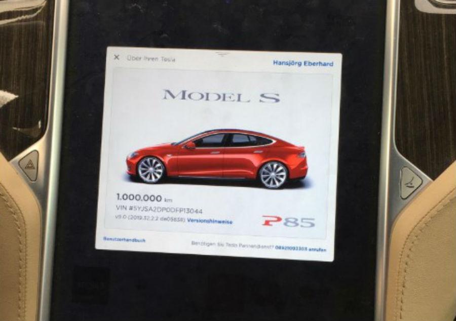 Tesla Model S P85+ faz 1.000.000 km (reprodução Twitter Hansjoerg Gemmingen)
