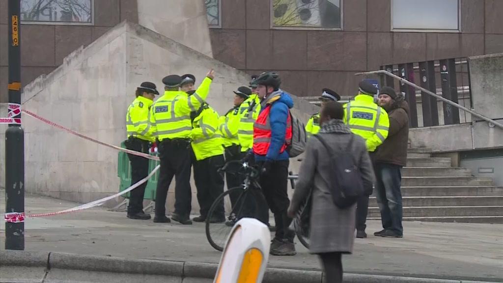 Suspeito do atentado de Londres tinha antecedentes terroristas