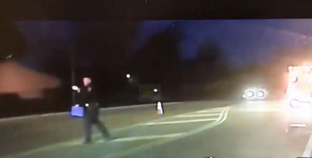 Polícia atropelado (Reprodução Youtube)