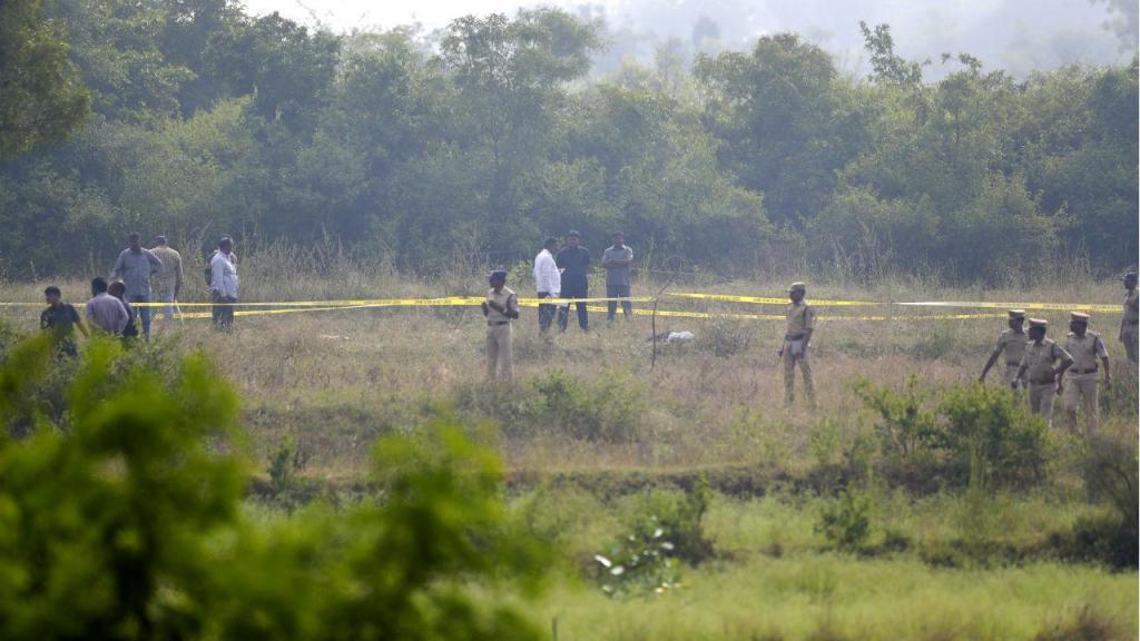 Polícia indiana mata suspeitos de violação durante reconstituição do crime