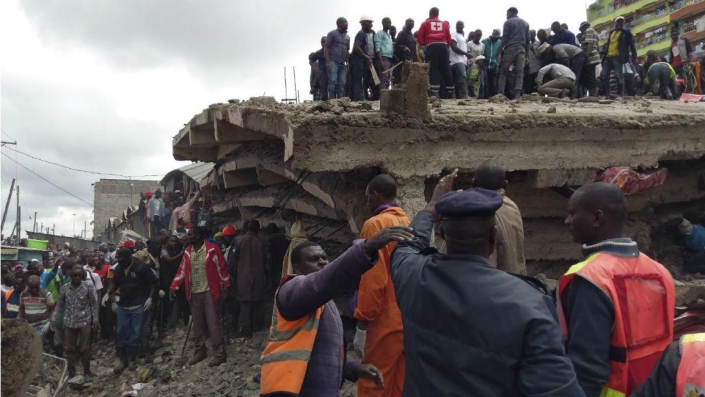 Prédio de seis andares colapsa em Nairobi, Quénia