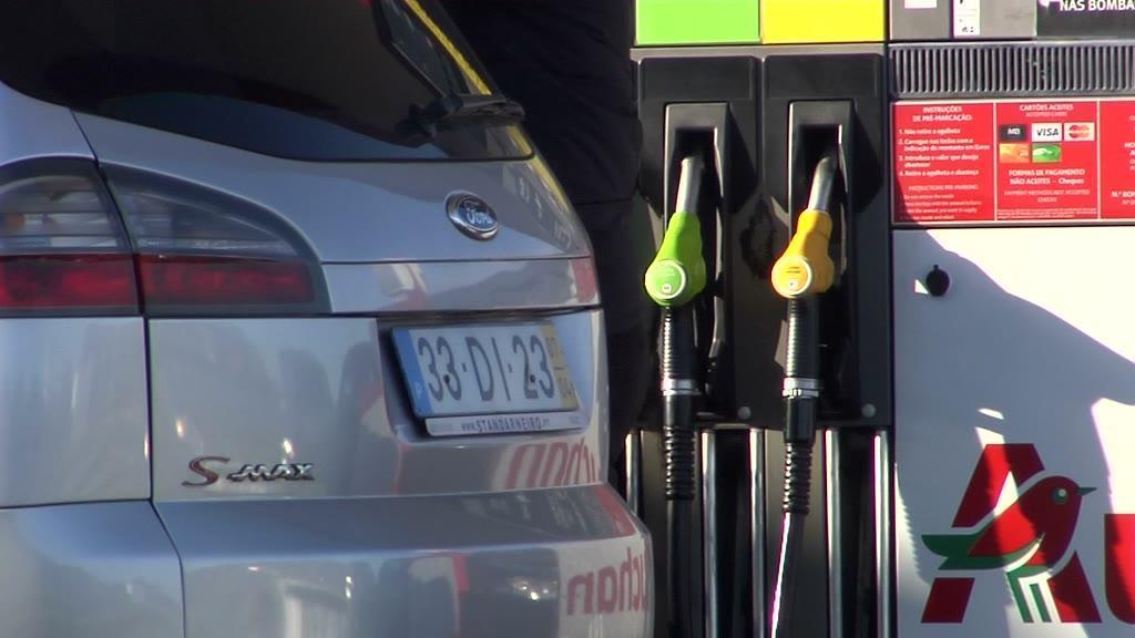 Combustíveis registam os preços mais baixos em três meses