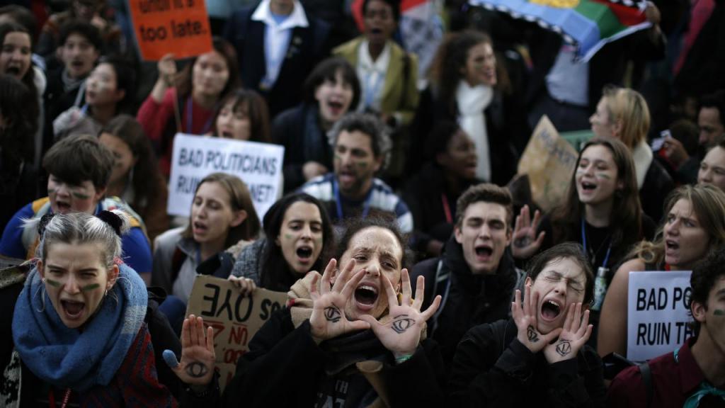 Protesto à porta da COP25