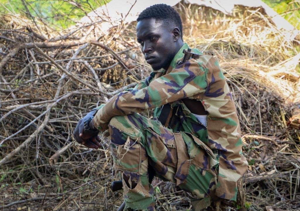 Sudão do Sul (um militar da oposição descansa)