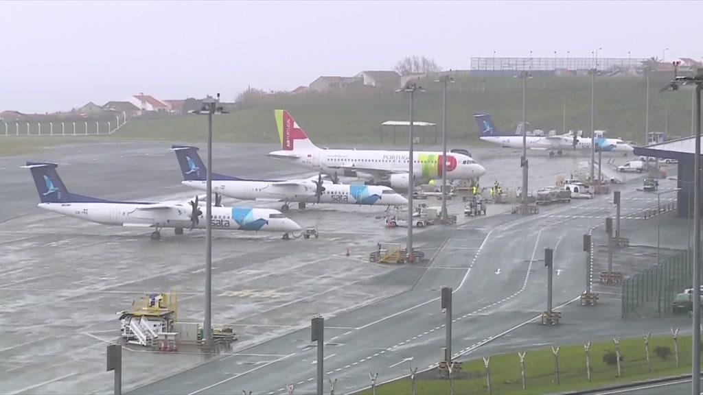 Mais de mil passageiros retidos no Aeroporto de Ponta Delgada