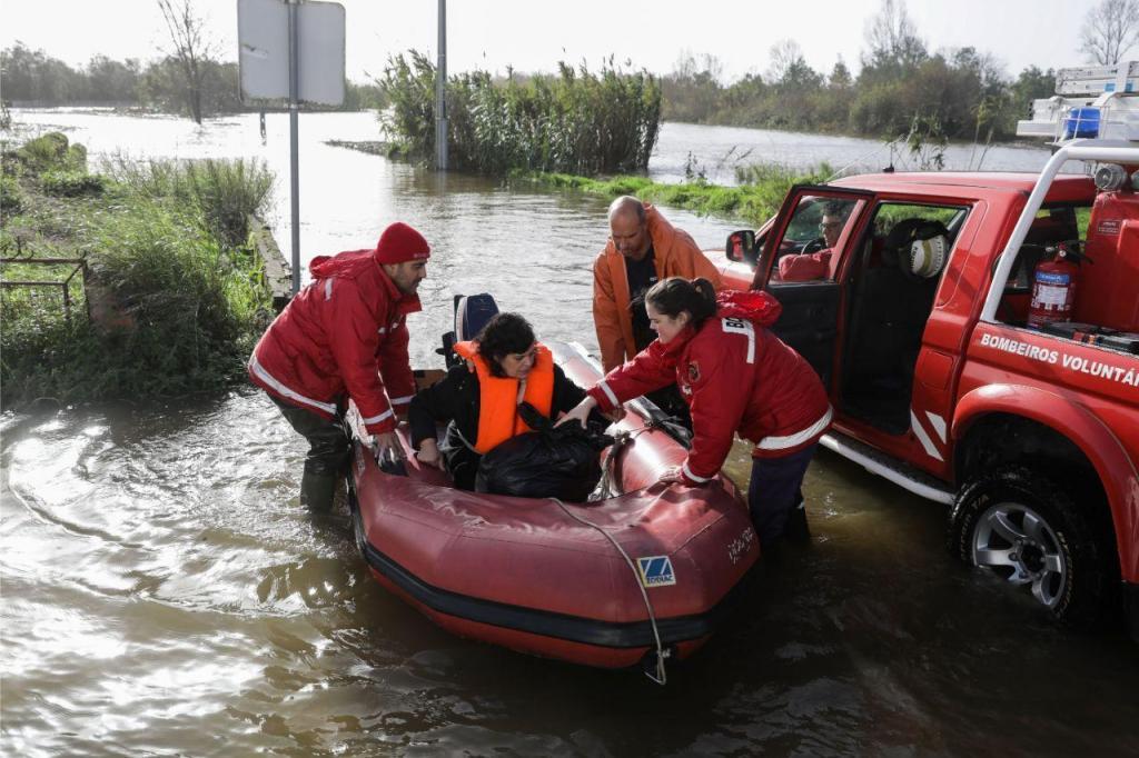 Resultado de imagem para Câmara de Coimbra pede evacuação das localidades entre Bencanta e Ameal