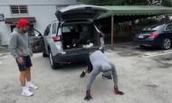Fernando Verdasco arrasta carro de duas toneladas