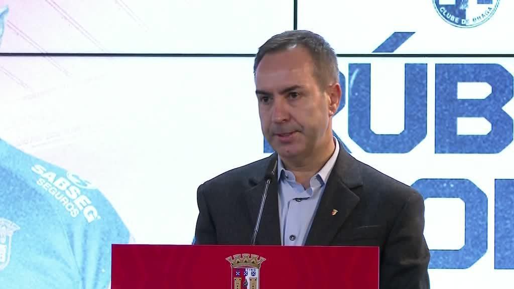 Questionado sobre Sá Pinto, Salvador com Rúben Amorim