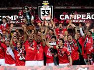 A 20 de Maio de 2014 o Benfica selava a conquista daquele que seria o primeiro título do tetra, na década que mudou o equilíbrio de forças no futebol português. O Benfica foi o primeiro campeão dos anos 10, depois seguiram-se três anos de títulos do FC Porto. Foi a partir de 2014 que as águias ganharam o ascendente que se traduz no saldo final destes 10 anos: 18 títulos conquistados, entre eles seis campeonatos nacionais, contra 12 troféus dos dragões e cinco do Sporting.