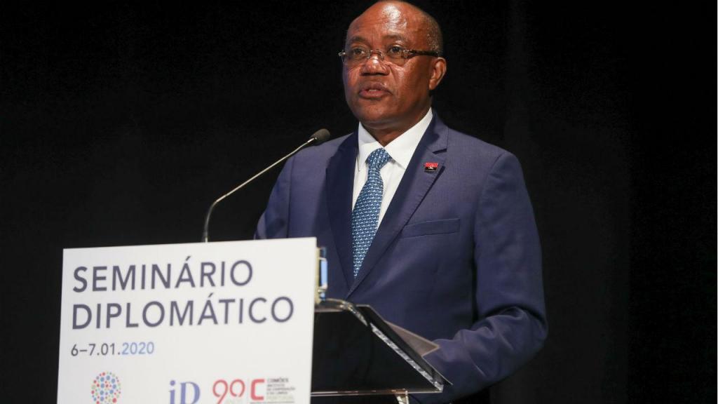 O ministro das Relações Exteriores de Angola, Manuel Domingos Augusto