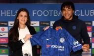 Reece James renovou com o Chelsea