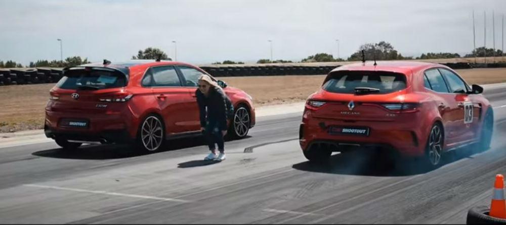 Hyundai i30 N vs Mégane RS280 (Reprodução Youtube Carmag.co.za)