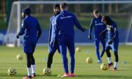André Gomes volta a treinar no relvado, 86 dias após grave lesão (Everton)
