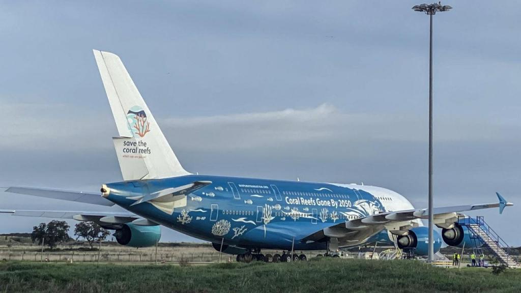 Airbus A380 parte do Aeroporto de Beja para Wuhan