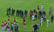 Violência no jogo do Avaí (youtube)