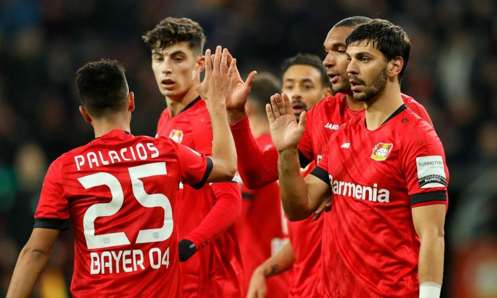 Bayer Leverkusen bateu Estugarad