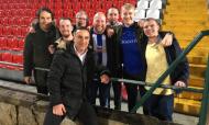 Carlos Carvalhal visitado por sete adeptos do Sheffield Wednesday na Vila das Aves (Twitter)