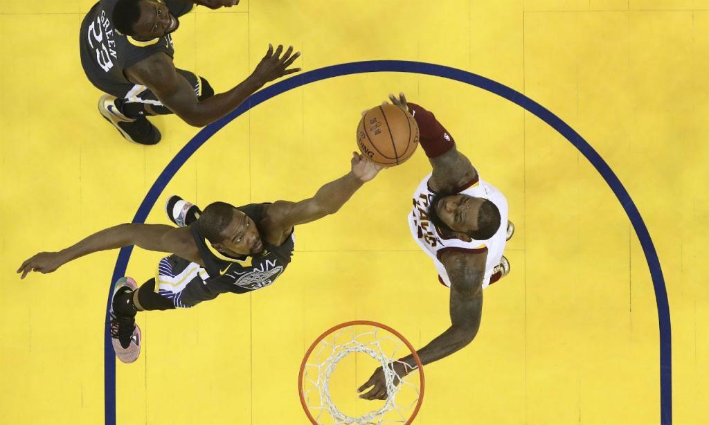 LeBron James e Kevin Durant (AP)