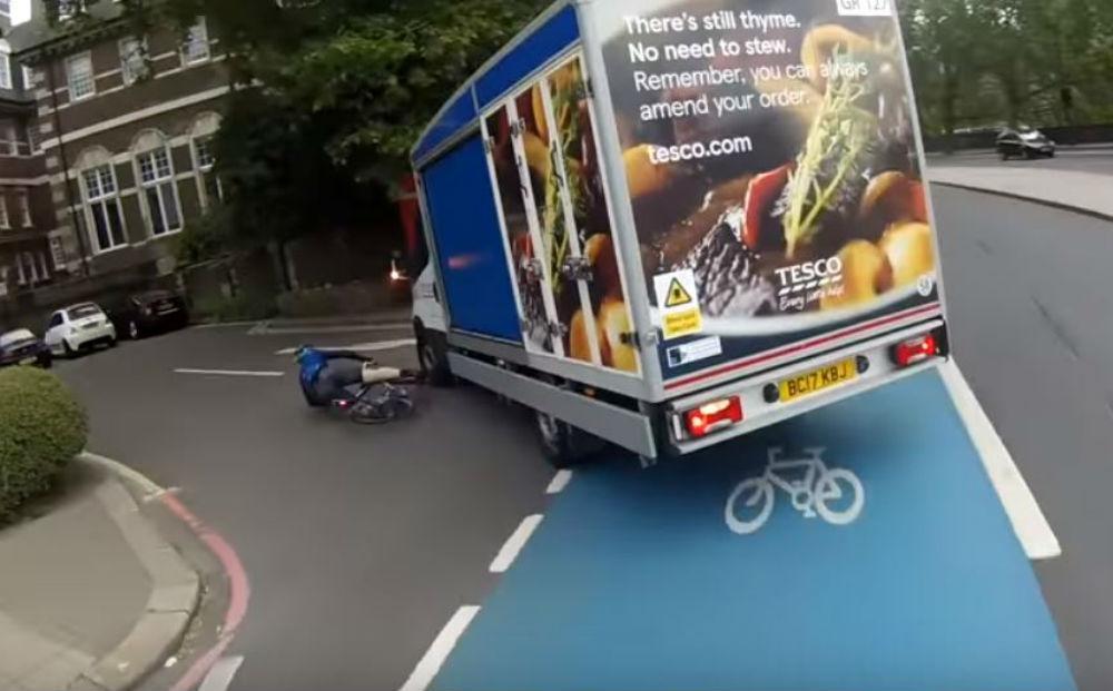 Acidente em Londres (Reprodução Youtube)