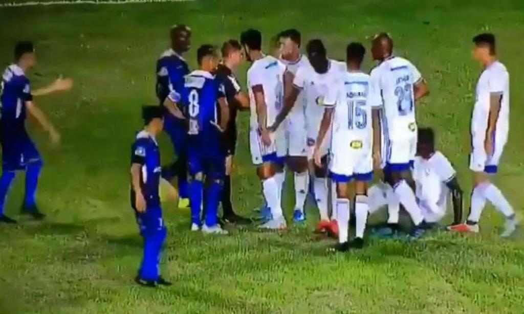Cruzeiro tenta trocar jogadores para evitar expulsão (twitter)